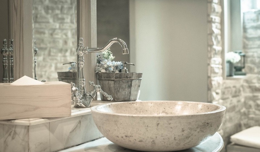 Tips-for-Creating-a-Vintage-Style-Bathroom-anne-cohen-writes-acw