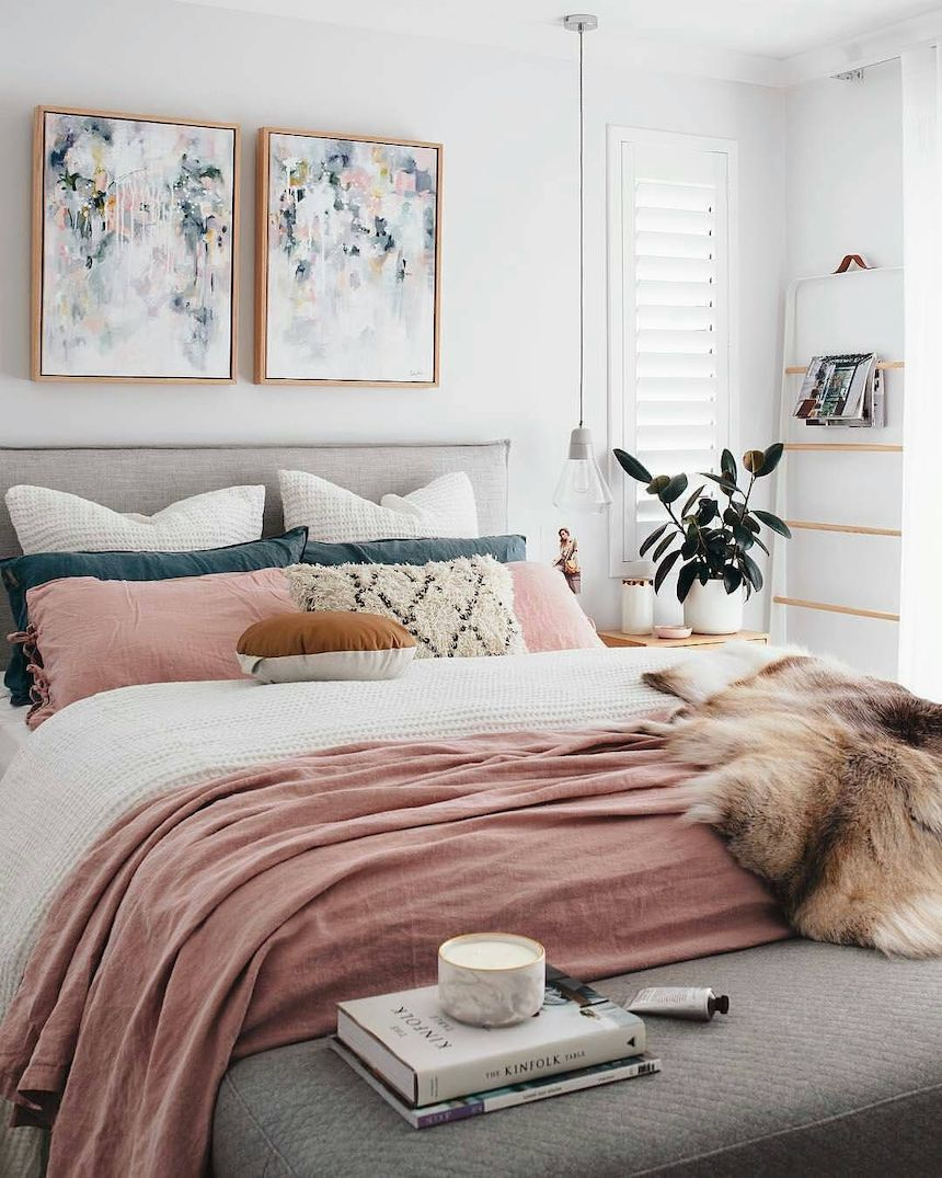 5-Tips-That-Will-Help-You-Create-a-Cozy-Bedroom-anne-cohen-writes-acw