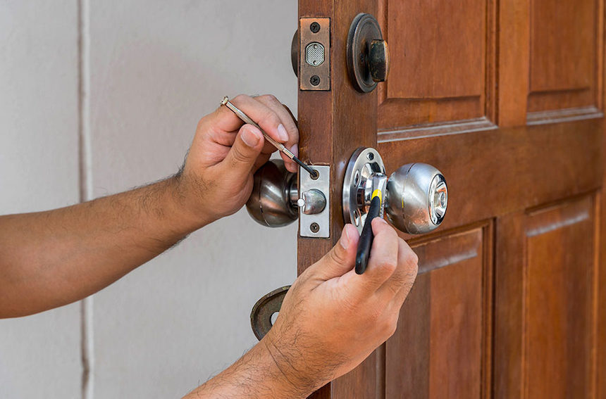 Advantages-of-Hiring-Reliable-and-Cheap-Locksmiths-acw-anne-cohen-writes