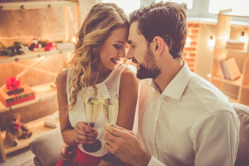 4-Romantic-Anniversary-Ideas-When-Your-Spouse-Values-Quality-Time-anne-cohen-writes-acw