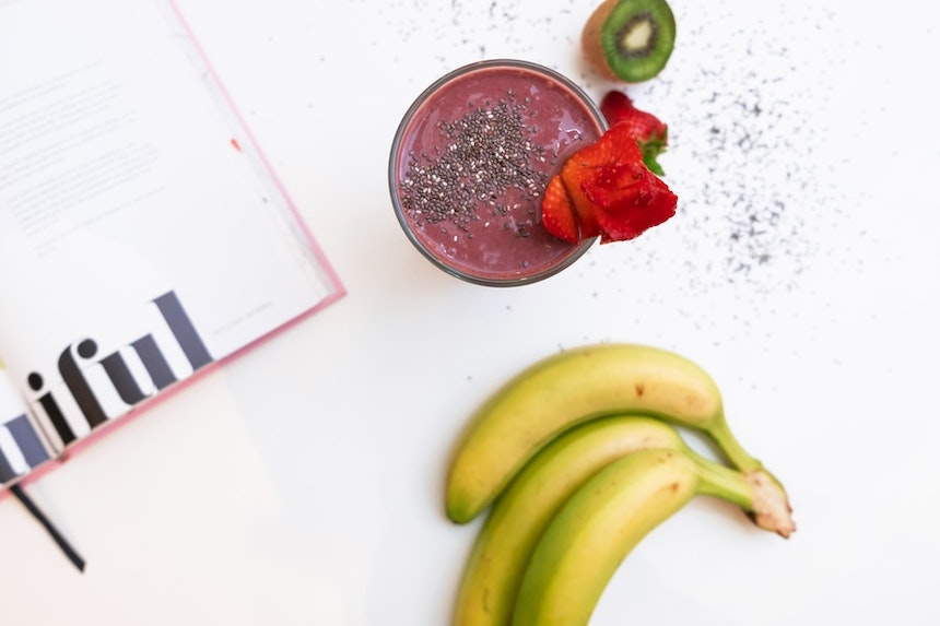 How-to-Turn-a-Smoothie-Into-a-Perfectly-Acceptable-Meal-Replacement-anne-cohen-writes-acw