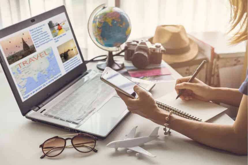 4-Ways-to-Prepare-for-Holiday-Travel-Now-anne-cohen-writes-acw