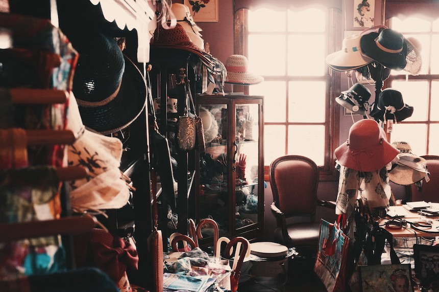 Hoarding-Problems-How-to-Let-Go-of-Clutter-Before-It-Affects-Your-Marriage-acw-anne-cohen-writes