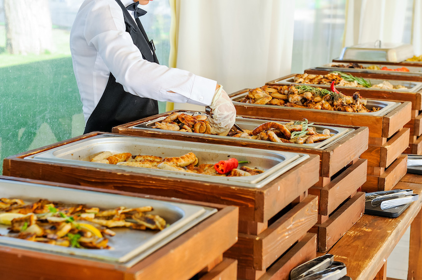 What are the Advantages of hiring Wedding Buffet Catering?