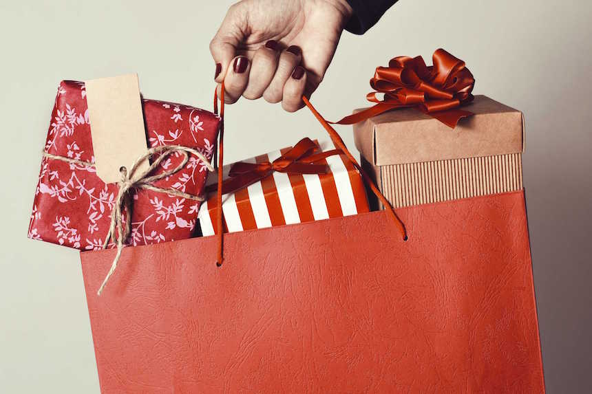 holiday-prepare-gifts