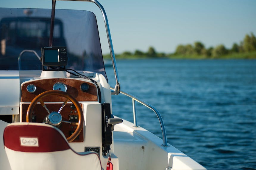 How-to-Properly-Maintain-Your-Family-Boat