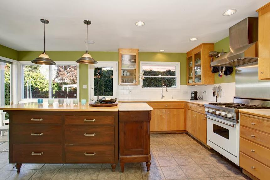 Kitchen-Designs-Exhibited-in-Kitchen-Showrooms