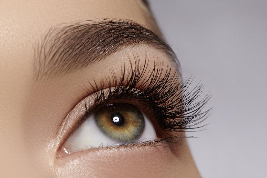 Affordable-Ways-To-Grow-Long-Natural-Eyelashes