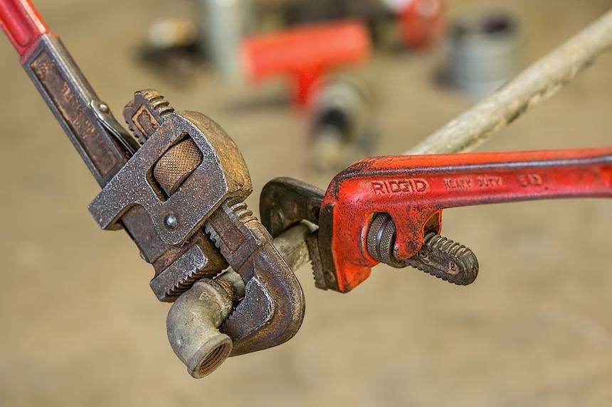 List-of-Plumbing-Repairs-You-Should-Never-DIY