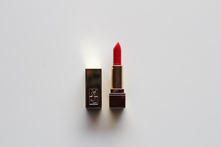 poppin-lipstick-beauty-summer