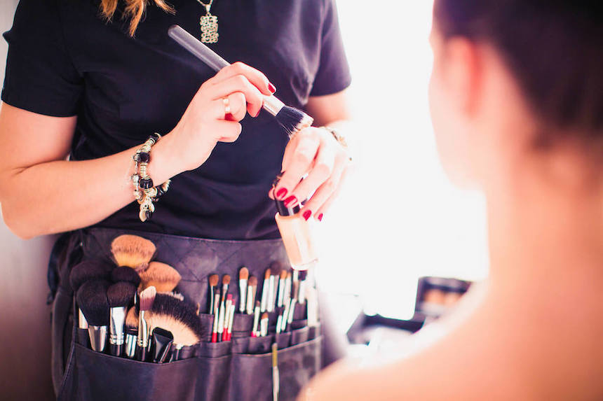 How-To-Become-a-Makeup-Artist-Top-Dos-and-Donts
