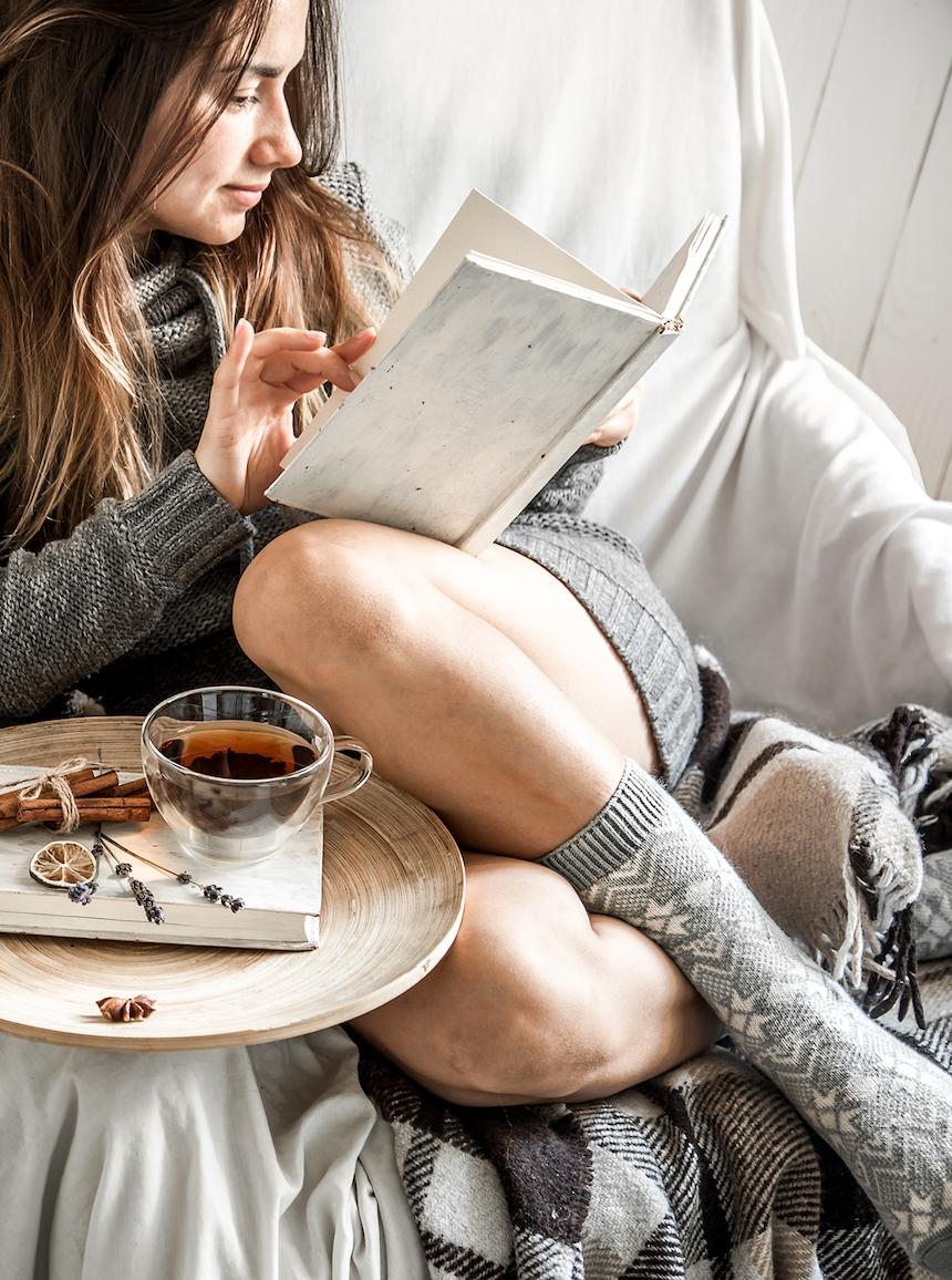 4-gift-ideas-bookworm-friend-novel