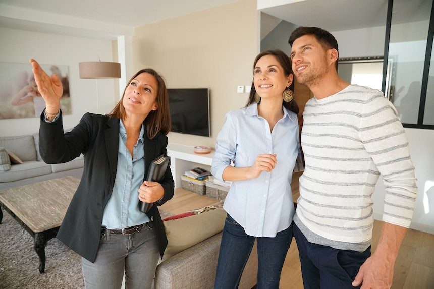 Buying-a-Home-The-Difference-Between-Listing-Pictures-In-Home-Tour